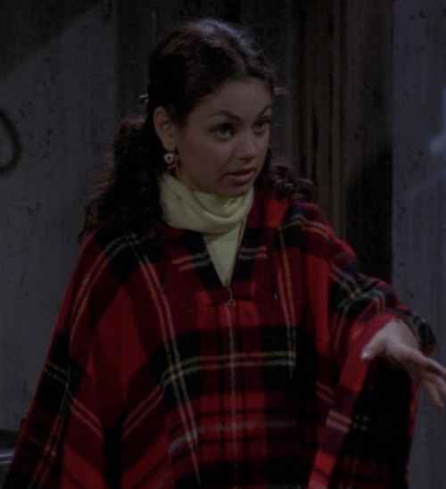 Does anyone know what this plaid poncho/coat that Jackie is wearing here? (That 70s Show Season 2 episode 5: Halloween) - SeenIt