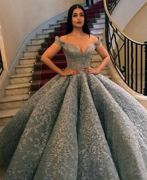 Help me find this gown - SeenIt