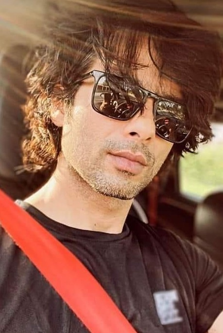 I am looking for similar sunglasses which Shahid Kapoor is wearing in this picture. - SeenIt