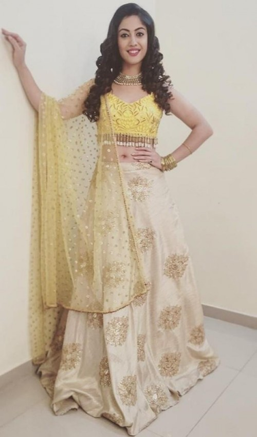 I'm looking for this similar dress which aditi sharma wearing - SeenIt