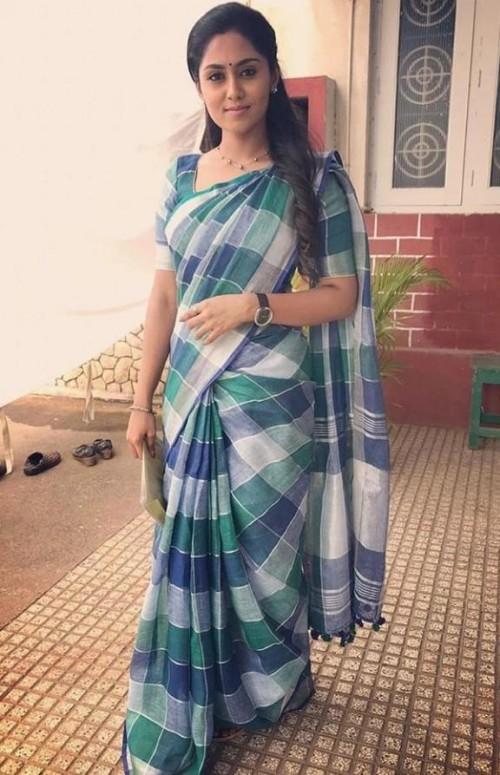 I'm looking for this similar saree which sreethu krishnan wearing - SeenIt