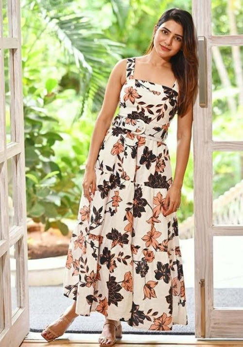 I'm looking for this similar dress which samantha wearing - SeenIt