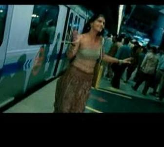 I'm looking for dhoti and top worn by sonam kapoor in delhi 6 - SeenIt