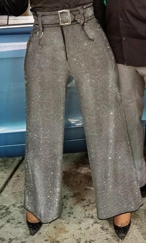 I'm looking for the same pants or something similar - SeenIt