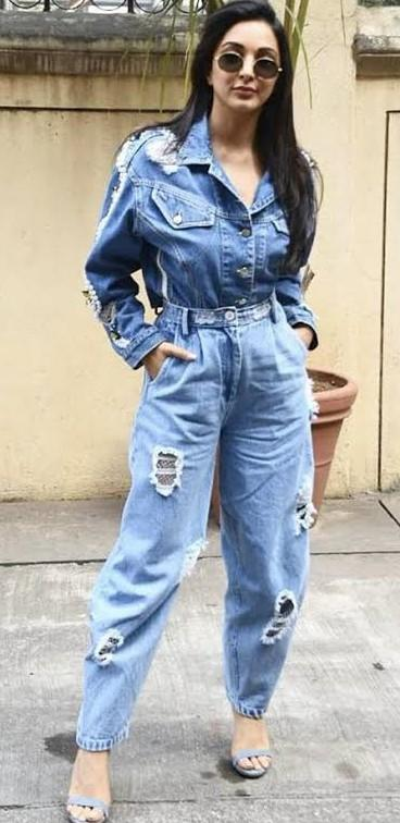 Want the denim on denim outfit which kiara advani is wearing - SeenIt