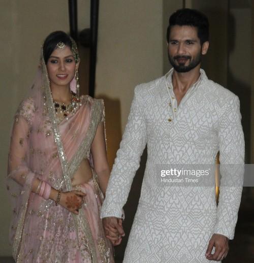 I'm looking for similar kurta like SHAHID kapoor wear - SeenIt