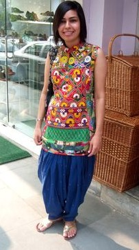 How is this patiala salwar and shirt outfit for the upcoming wedding season!? - SeenIt