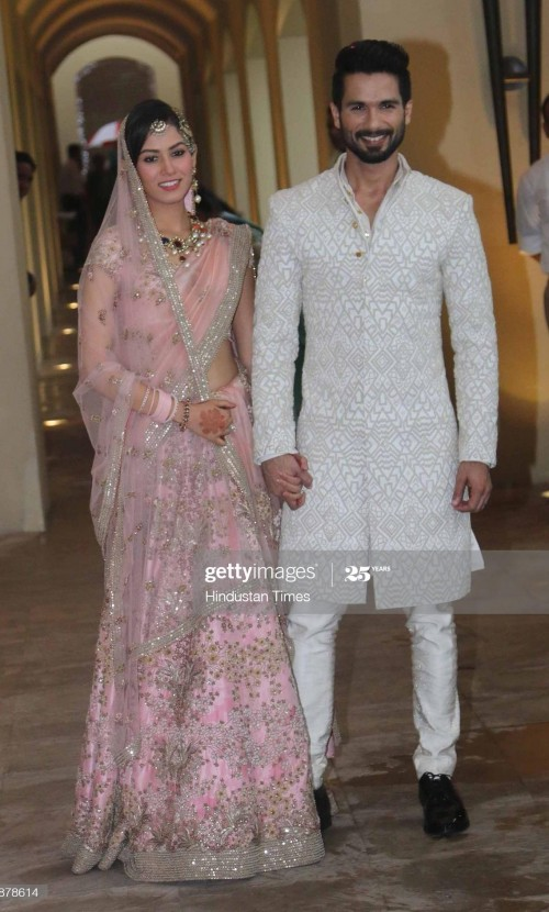 I'm looking similar sherwani like shahid kapoor wearing - SeenIt