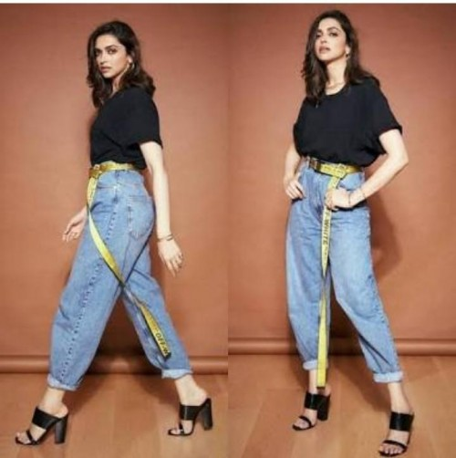 Iam looking for this jeans and heels plzzzzzz same to same  - SeenIt