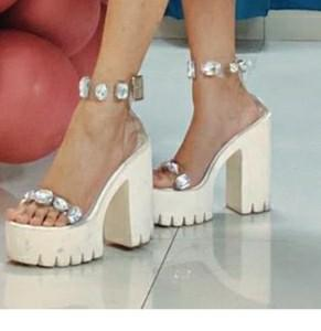 I am looking for this same shoes - SeenIt