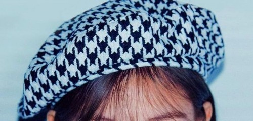 white beret with black pattern - SeenIt