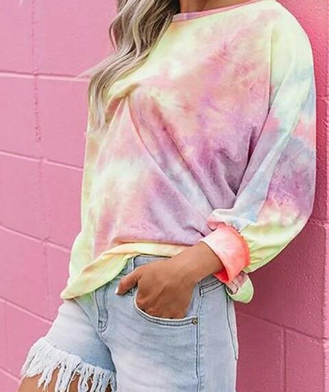 Want this similar tie dye pulover. Plss help - SeenIt