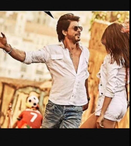 I'm looking for a similar White shirt with pockets like shah rukh khan is wearing - SeenIt