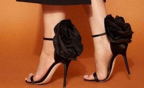 Iam looking for this heels - SeenIt