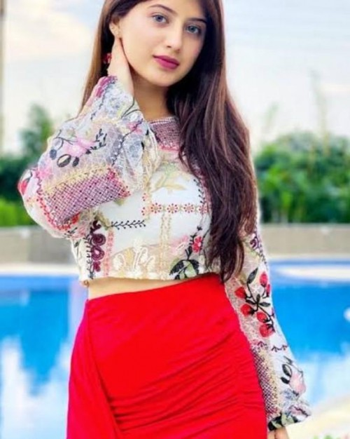 I want same top like arsifta khan plzzzzzzz help me to find it - SeenIt