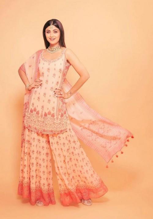 Yay or nay? Shilpa Shetty seen wearing a short shirt sharara outfit this year on diwali - SeenIt