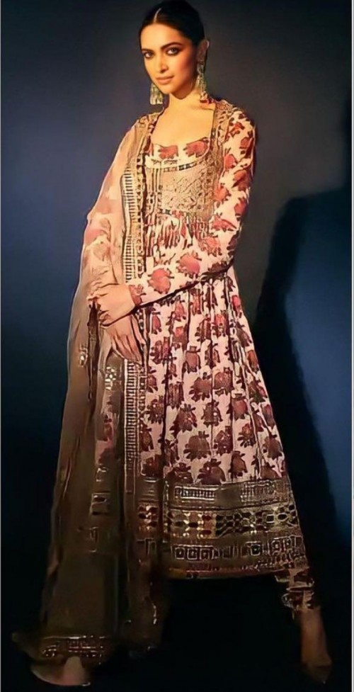 Yay or nay? Deepika Padukone seen wearing a Sabyasachi outfit this year on diwali - SeenIt