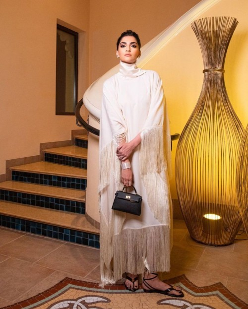 Yay or nay? Sonam kapoor seen wearing a white fringe outfit recently in London - SeenIt