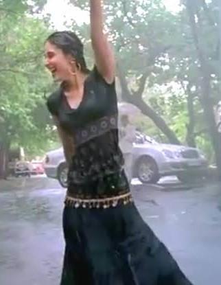 I'm looking for the same dress as Kareena Kapoor was wearing in tum se hi song - SeenIt
