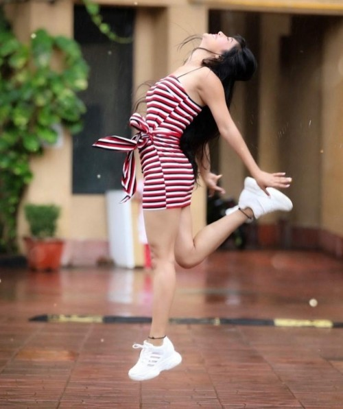 I want this sneakers as Shivangi joshi wear..plss help me to find out this shoes😫.. - SeenIt