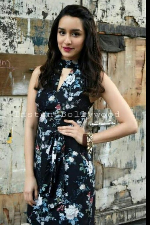 I'm looking for the exact same dress that shraddha Kapoor has worn - SeenIt