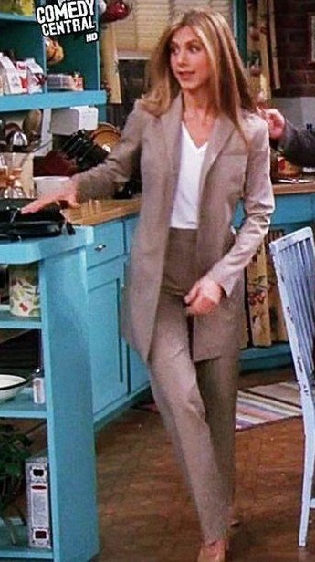 I´m looking for this suit from Rachel green - SeenIt