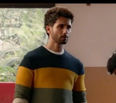 I want same sweater like shahid kapoor - SeenIt