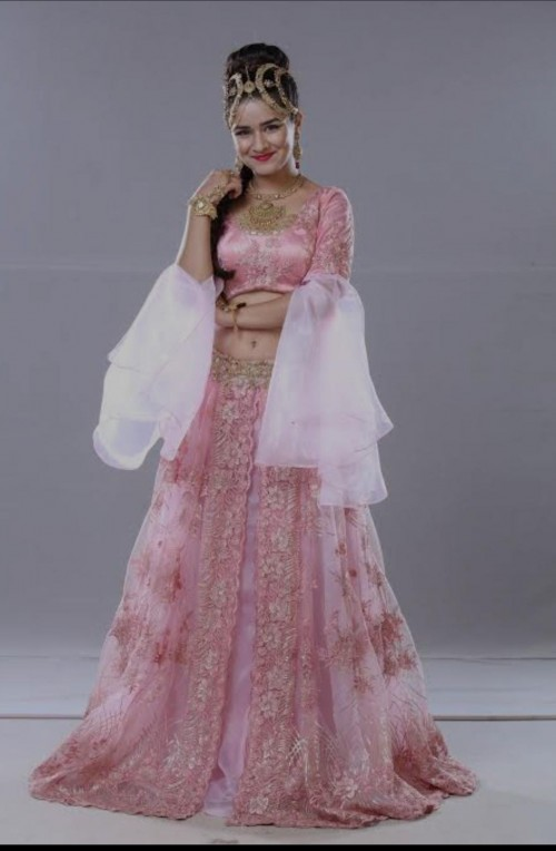 Want the same dress of avneet kaur - SeenIt