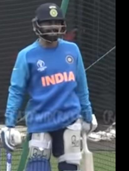 I am looking for that sweatshirt/jumper with the India and bcci logo on it - SeenIt