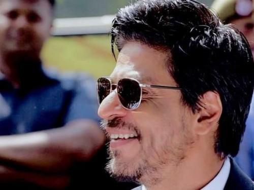 same sunglasses like shahrukh khan - SeenIt