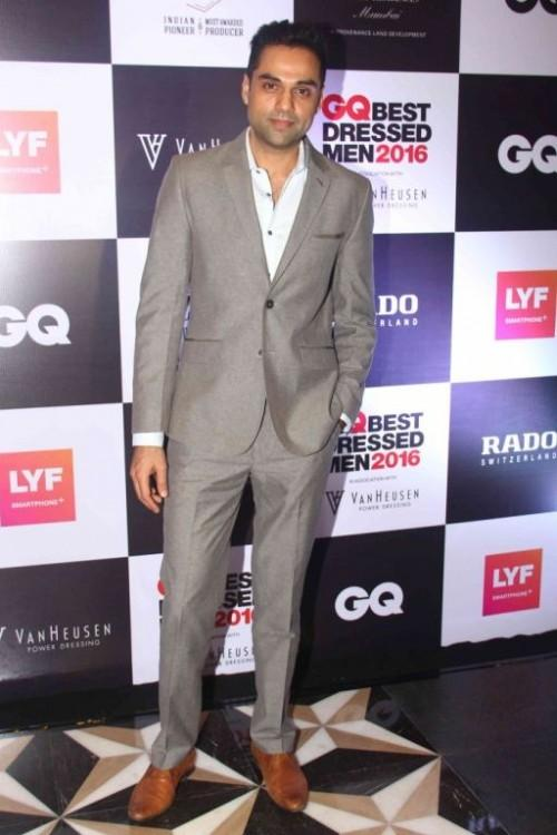 Abhay Deol looked dapper in his classy attire. - SeenIt