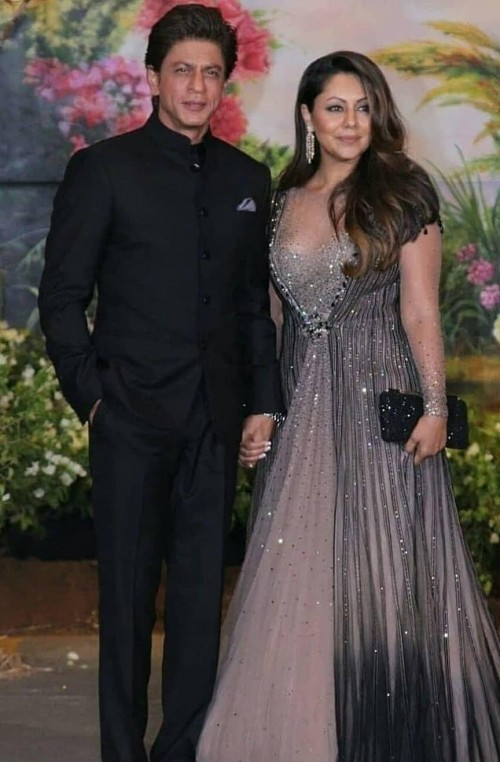Similar dress like gauri khan - SeenIt