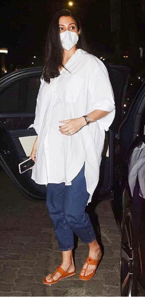 Want a similar white shirt please - SeenIt