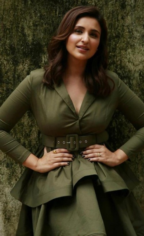 Similar dress like parineeti chopra - SeenIt
