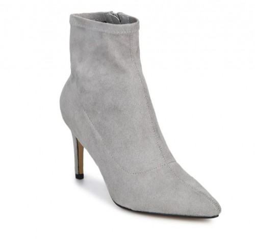 I'm looking for a similar grey boots. - SeenIt
