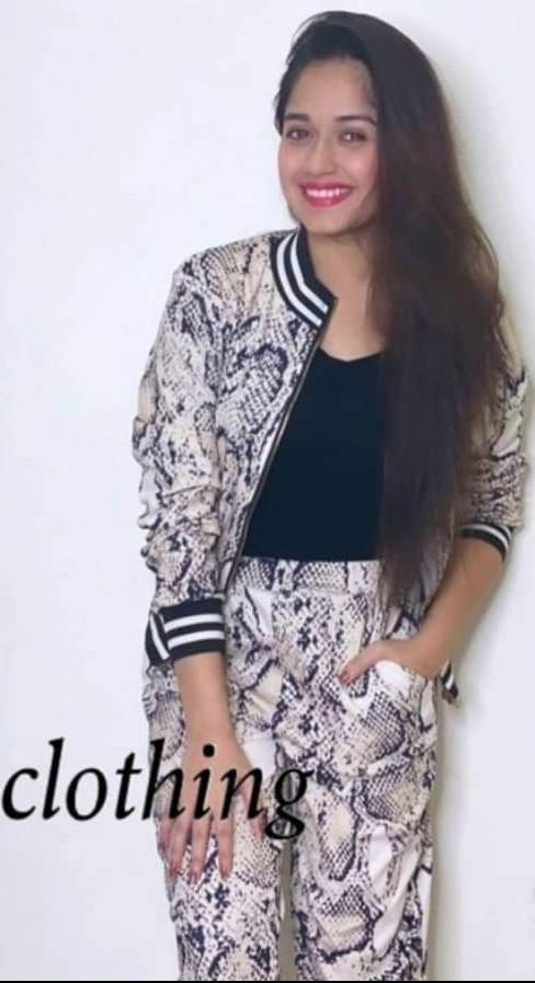 I'm looking for a same outfit like Jannat Zubair Rehmani please help me to find it..... - SeenIt