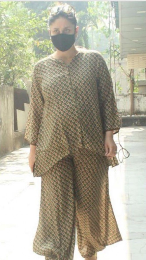 Kareena Kapoor's two piece outfit please - SeenIt