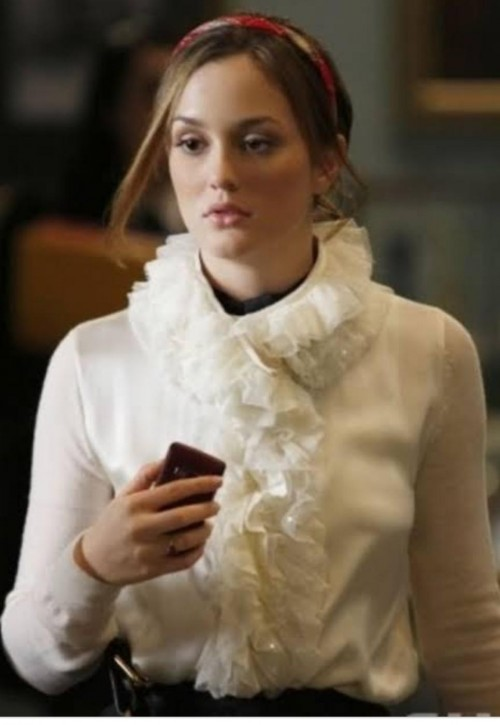 A shirt similar to this which blair waldorf is wearing in gossip girl - SeenIt