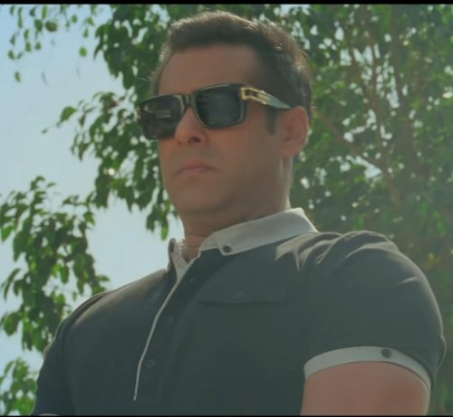 Need exact Same T-shirt and Glasses if possible like salman khan - SeenIt