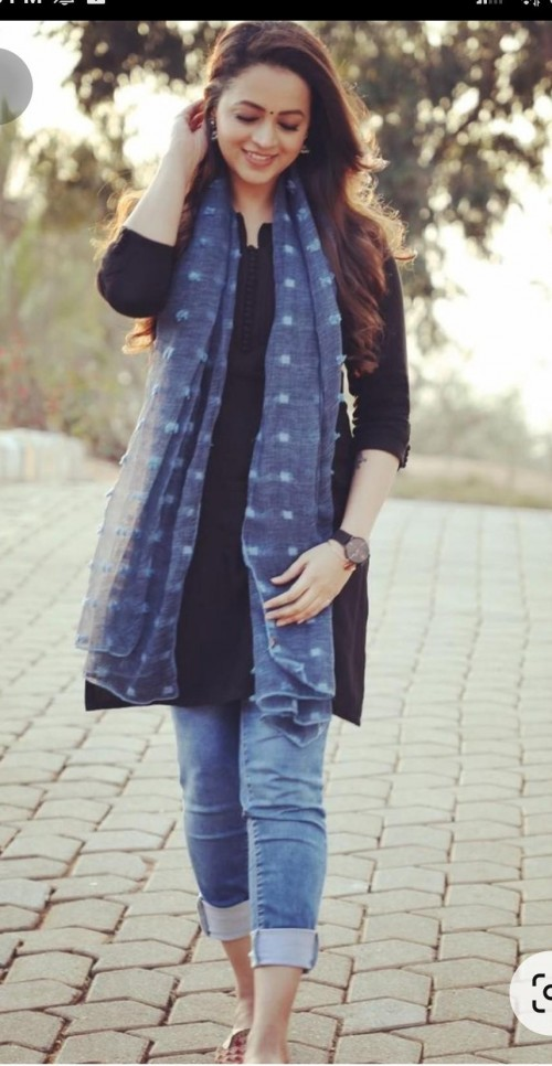 looking for exact outfit along with scarf - SeenIt