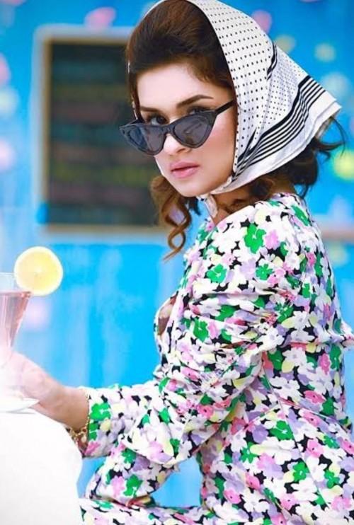 same outfit like avneet Kaur - SeenIt
