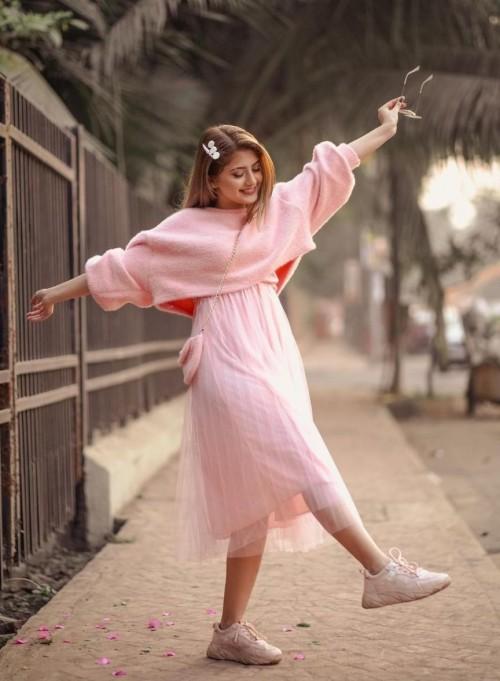 same dress like arishfa Khan - SeenIt
