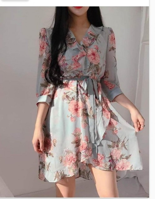 looking for same dress - SeenIt