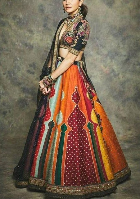 I loved Anushka in this look and I'm looking out for a Designer Lehenga immediately. - SeenIt