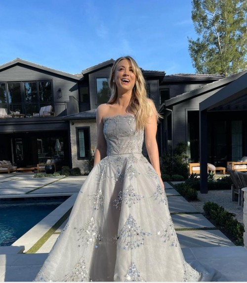 Yay or nay? Kaley Cusco attends the Golden globe awards 2021 wearing a strapless Oscar delta renta gown - SeenIt
