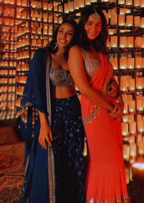 Yay or nay? Alia Bhatt seen wearing an Arpita Mehta official saree at her friend's wedding - SeenIt