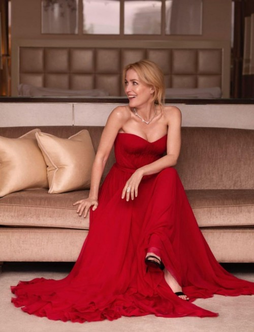 Yay or nay? Gillian Anderson wearing a red strapless gown for the virtual red carpet of SAG awards 2021 - SeenIt