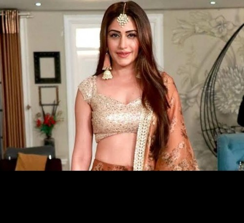 I am looking for this similar jewellery which surbhi chnda - SeenIt