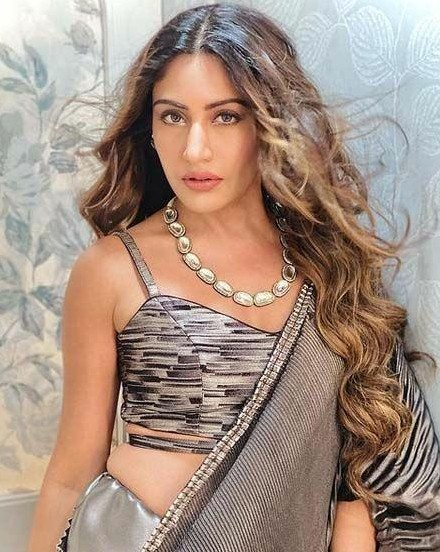 I am looking for this similar jeweely  which surbhi chnda - SeenIt