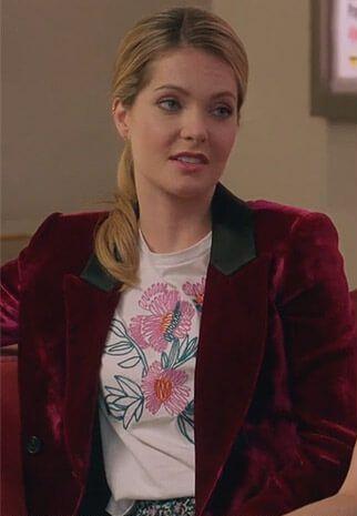 similar red crushed velvet blazer that sutton is wearing - SeenIt